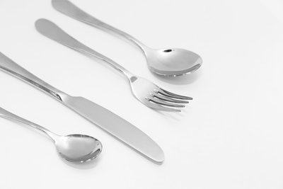 LUXE Cutlery 24-Pc Stainless Steel Set - Image 2