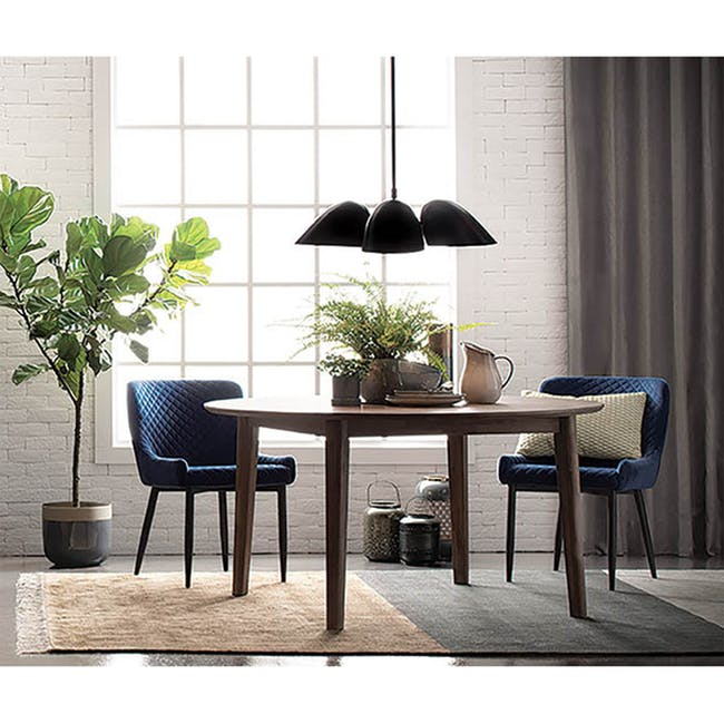 Tilda Round Dining Table 1.4m with 4 Tobias Dining Chairs in Navy - 1