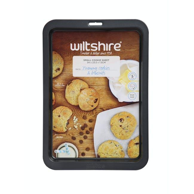 Wiltshire Easybake Cookie Sheet (2 Sizes) - 3