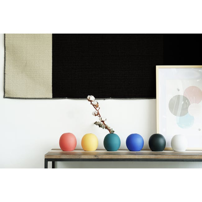 Nordic Matte Vase Large Sphere - Matte Black - 10