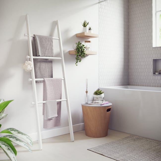 Leana Ladder - White - 11