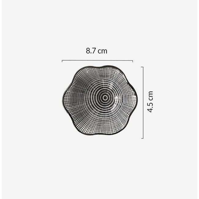 Table Matters Scattered Lines Saucer (2 Sizes) - 4