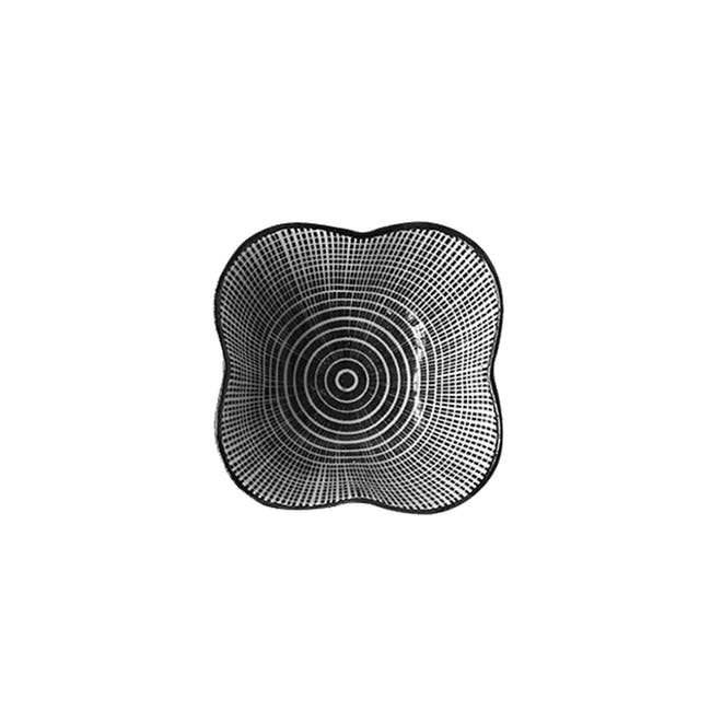 Table Matters Scattered Lines Saucer (2 Sizes) - 1