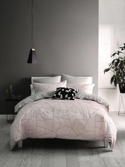 (Super Single) Fraction Pink 4-Pc Bedding Set - Image 2