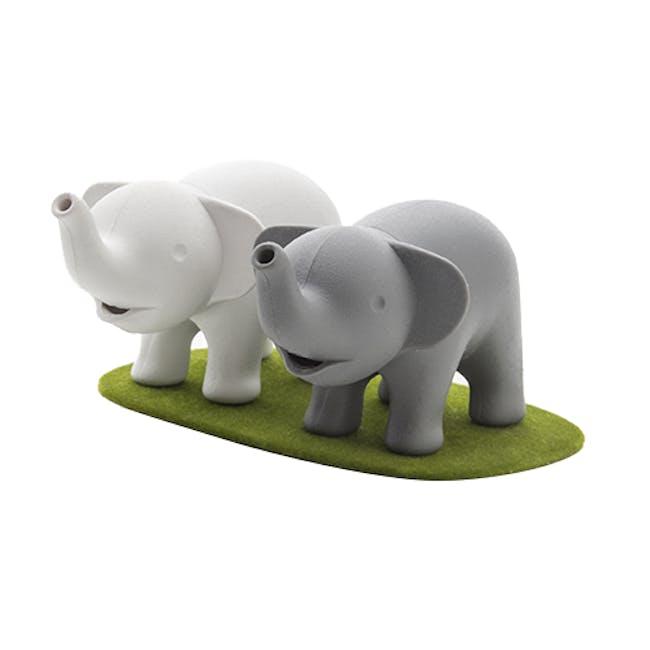 Duo Elephant Salt & Pepper Shaker - 3