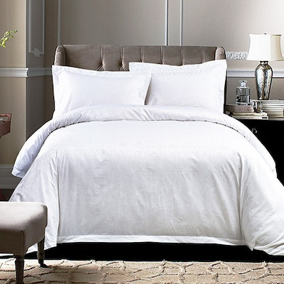 (Single) Geometric Sateen 4-Pc Bedding Set - Pure White - Image 1