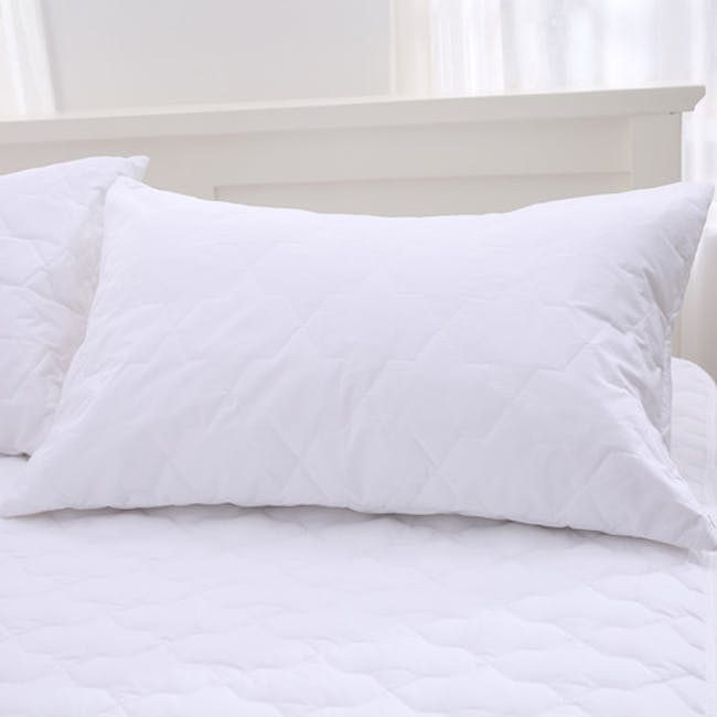 EVERYDAY Quilted Pillow Protector - 1
