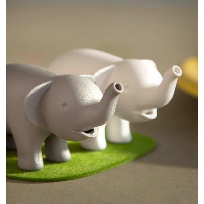 Duo Elephant Salt & Pepper Shaker - 5