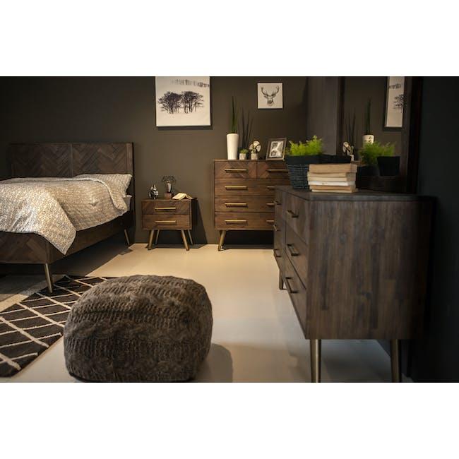 Cadencia Queen Bed - 4