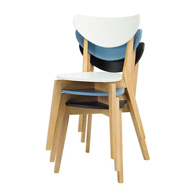 Carmen Round Dining Table 1m with 4 Harold Dining Chairs in White - 4