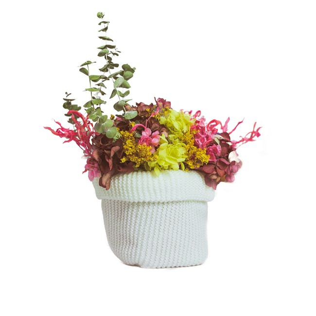 White Preserved Flowers Knitted Pot - Design 3 - 0