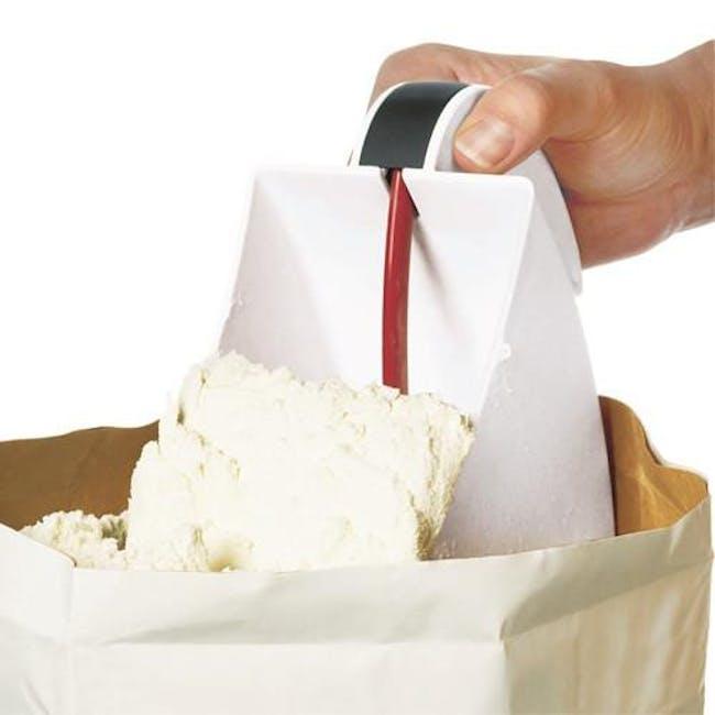 Scoop & Flour Sifter - 1