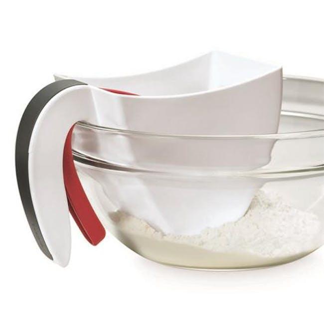 Scoop & Flour Sifter - 5