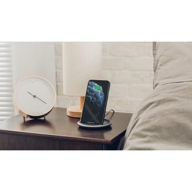Moshi Lounge Q Wireless Charging Stand - 1