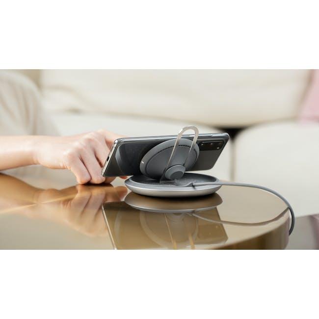Moshi Lounge Q Wireless Charging Stand - 2
