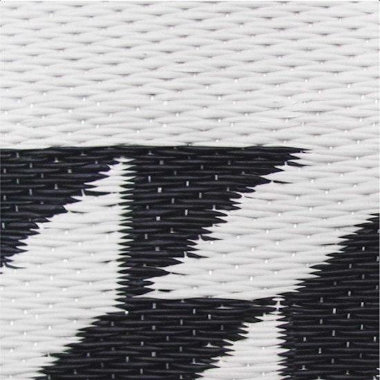FOR THE COMMON GOODS - Katve Mat 2.7m x 1.8m - Black/White
