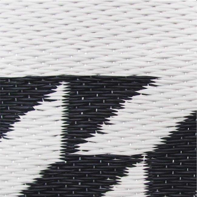 Katve Small Reversible Mat 2m x 0.9m- Black/White - 4