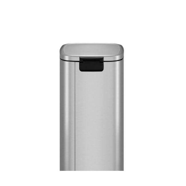 EKO Stella Stainless Steel Rectangle Step Bin With Soft Closing Lid - Black (3 Sizes) - 1