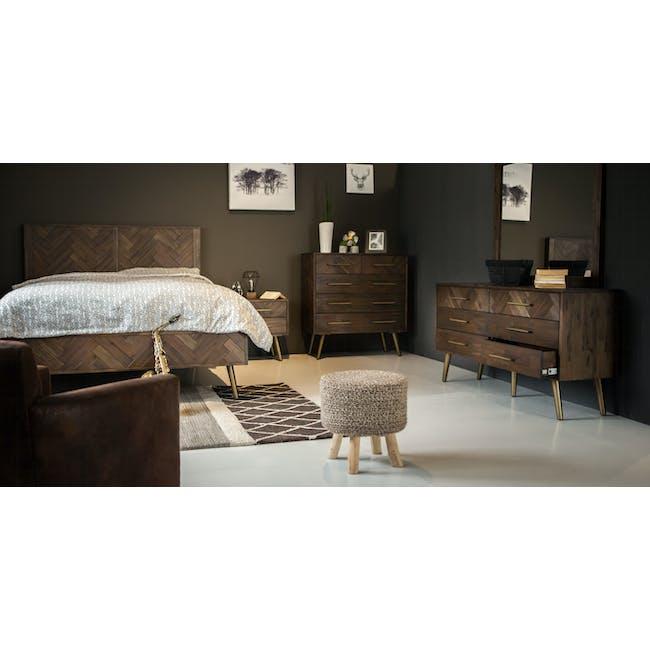 Cadencia Queen Bed - 3
