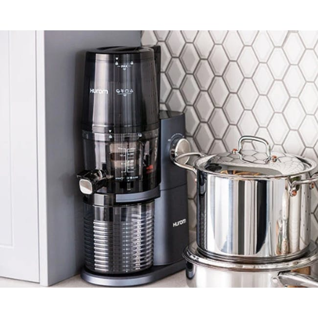 Hurom HI-3400 Cold Pressed Slow Fruit Juicer Premium Series - Midnight Blue - 5