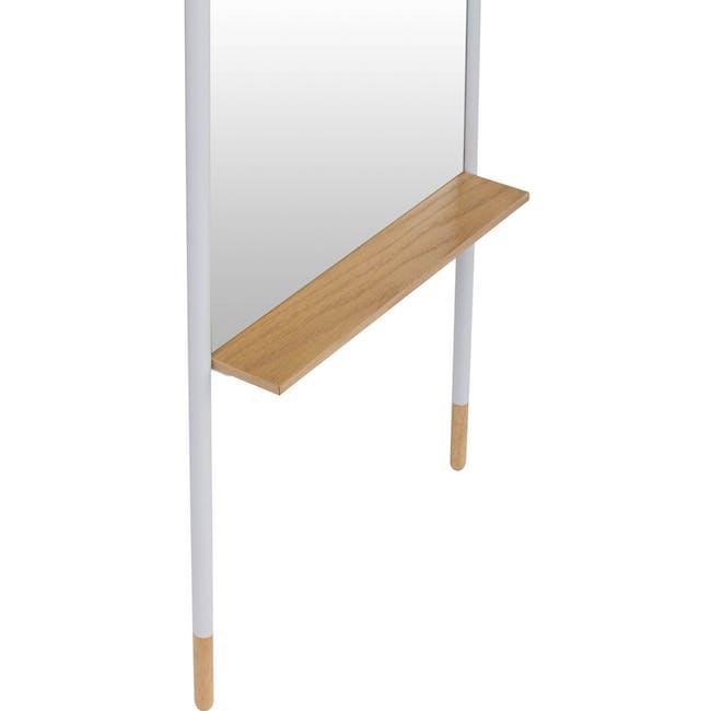 Arthy Leaning Mirror - 5