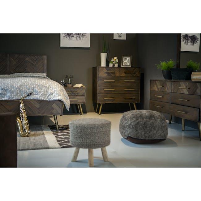 Cadencia Queen Bed - 5