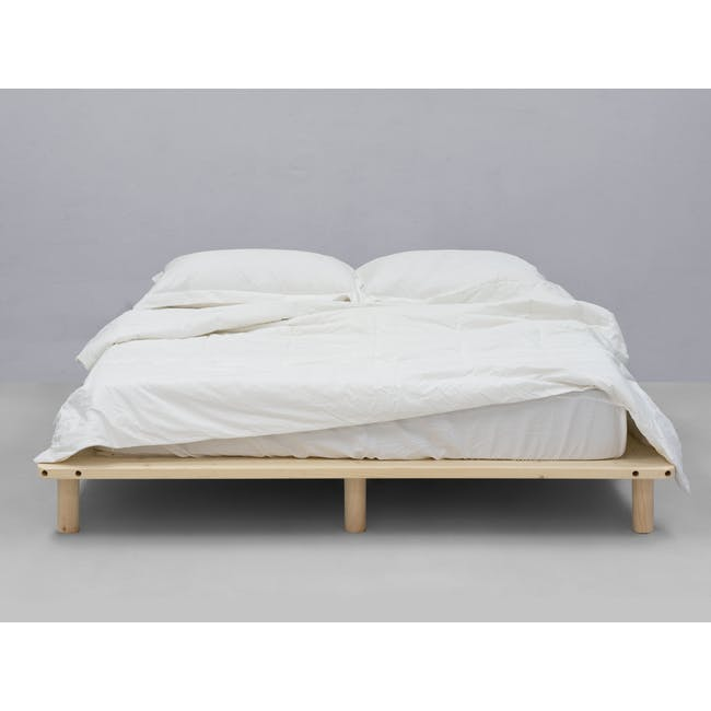Hiro Queen Platform Bed with 2 Dallas Bedside Tables - 2