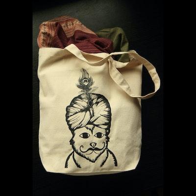 Travelling Kitty Bhangra Tote Bag - Image 2