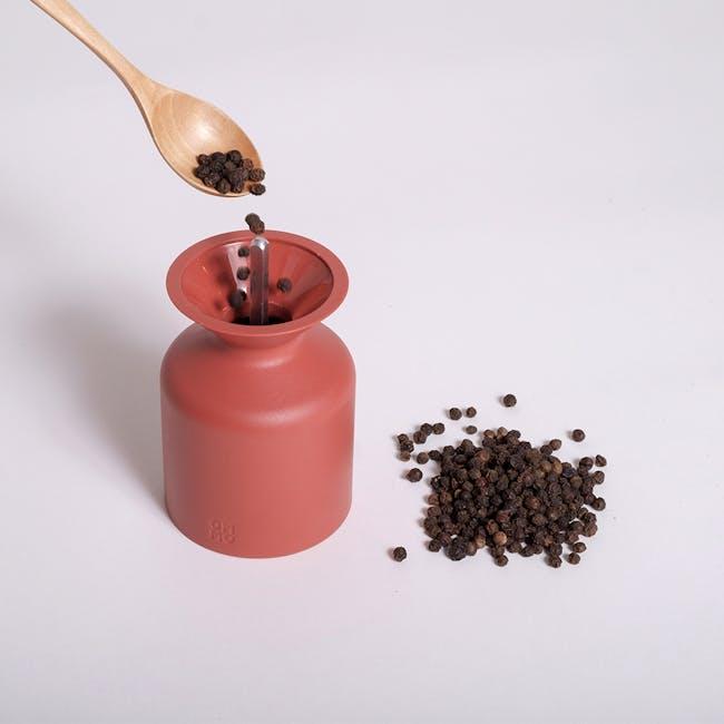 OMMO Mulino Salt & Pepper Mill - Brick Red - 1