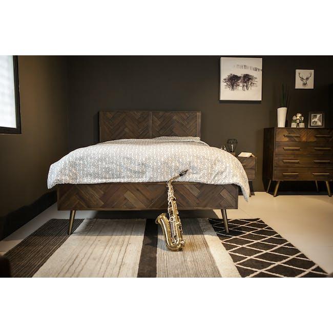 Cadencia Queen Bed - 2