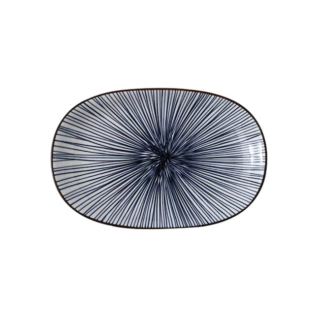 Table Matters Blue Illusion Oval Shaped Plate - 0