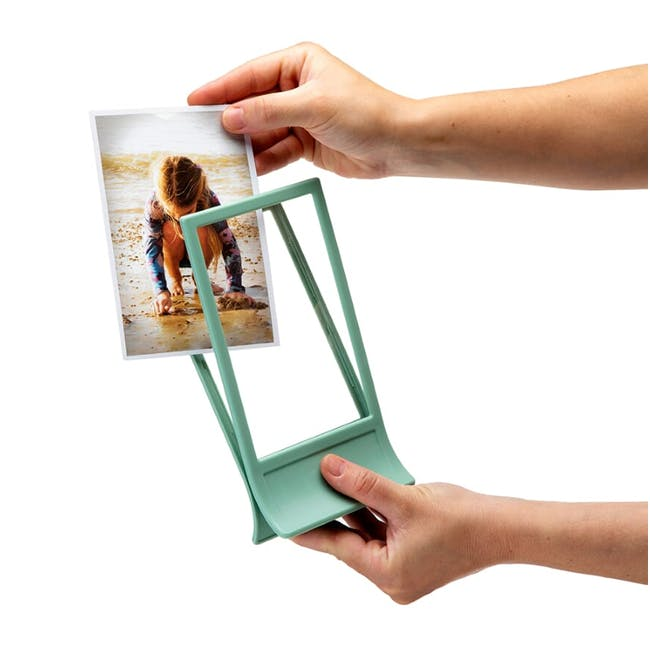 PELEG DESIGN Clipic - Easy-Change Photo Frame - Pink - 3