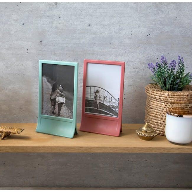 PELEG DESIGN Clipic - Easy-Change Photo Frame - Pink - 1
