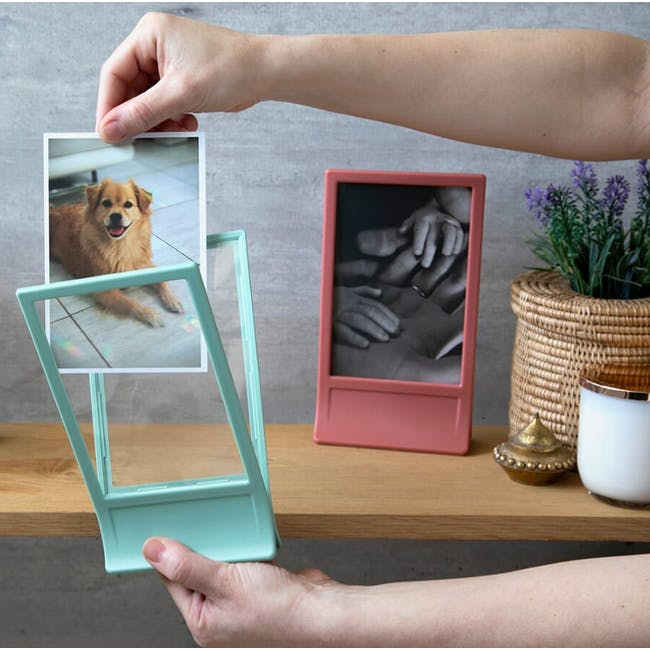 PELEG DESIGN Clipic - Easy-Change Photo Frame - Pink - 2