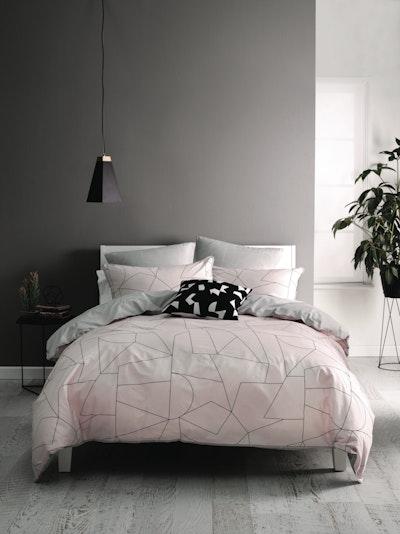 (King) Fraction Pink 4-Pc Bedding Set - Image 2