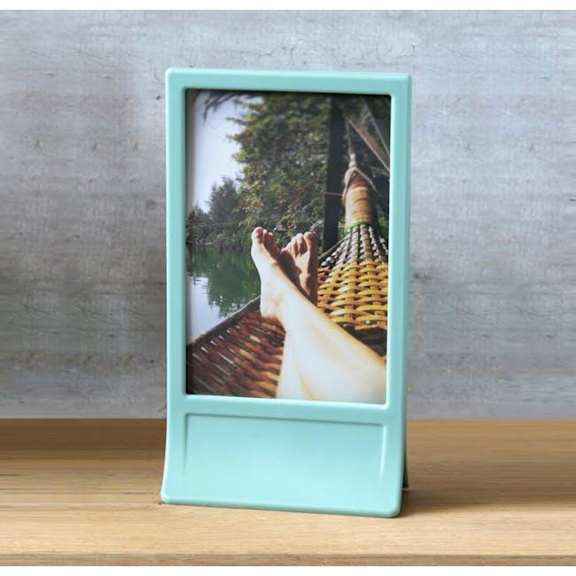 PELEG DESIGN Clipic - Easy-Change Photo Frame - Mint - 3