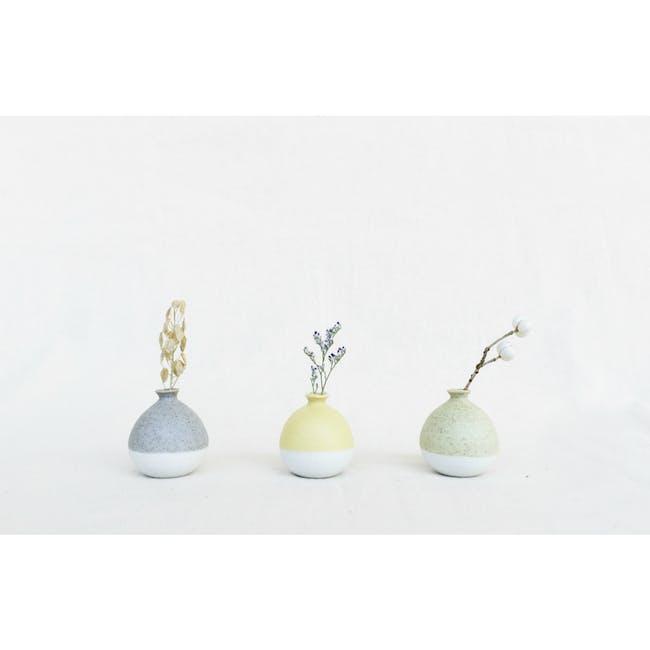 Mini Vase 5 cm - Pastel Yellow - 3