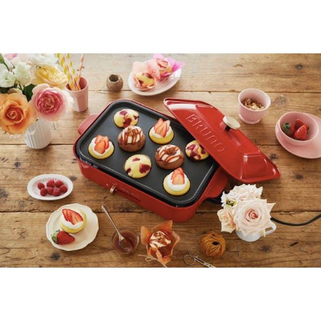 BRUNO Compact Hotplate - Cupcake Attachment - 1