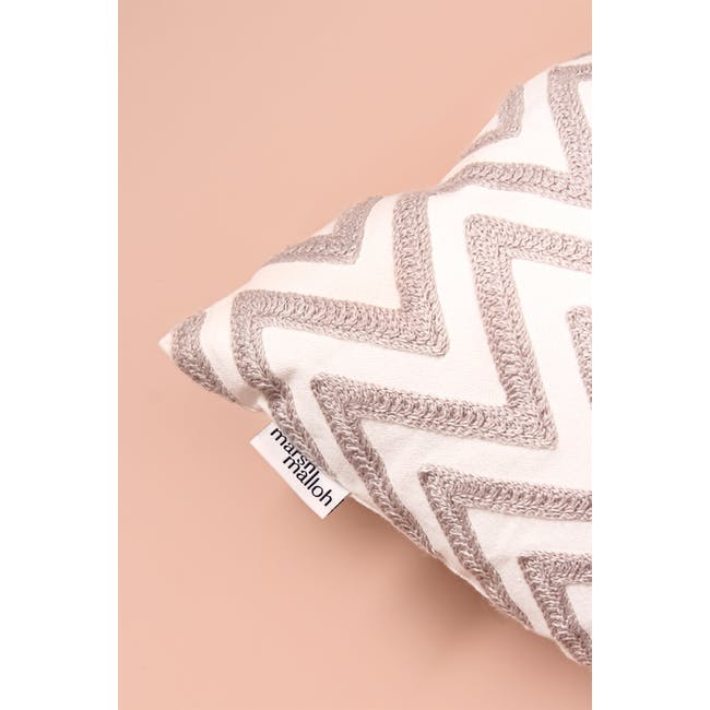 Table Mountain Throw Cushion - 1