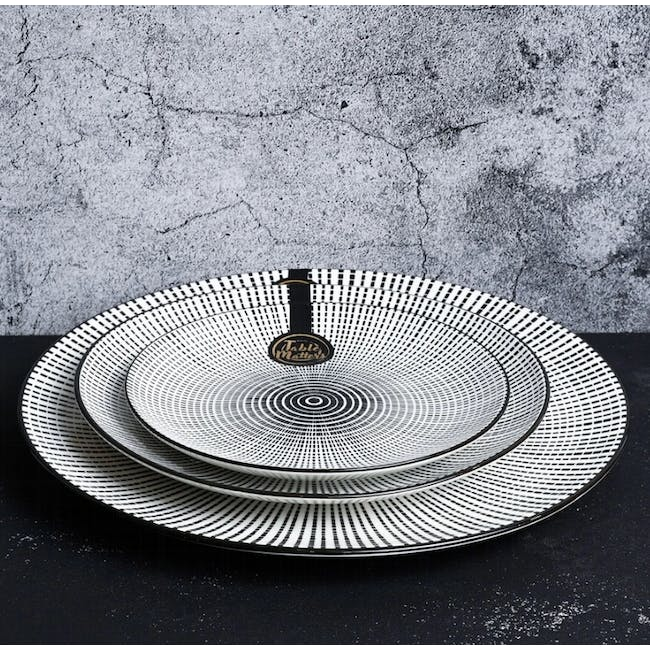 Table Matters Scattered Lines Plate (3 Sizes) - 1