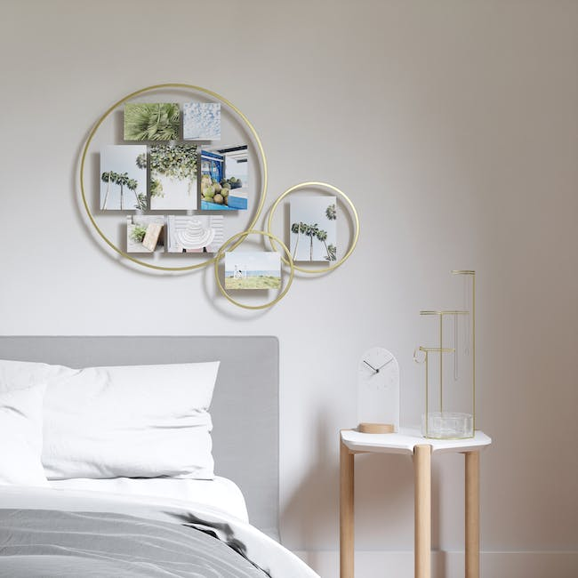 Infinity Wall Float Round Photo Display - Brass - 5