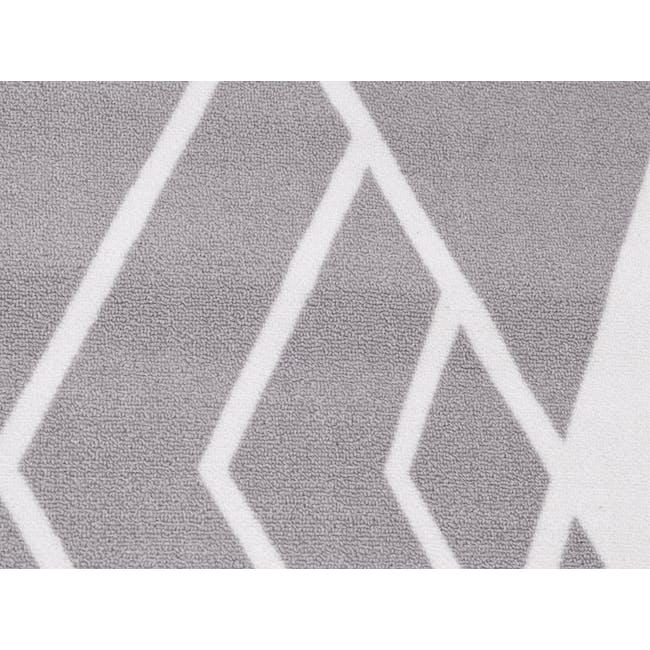 Sophie Low Pile Rug 1.7m x 1.2m - Silver - 1