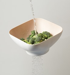 Diga Salad Bowl with Strainer- Suede