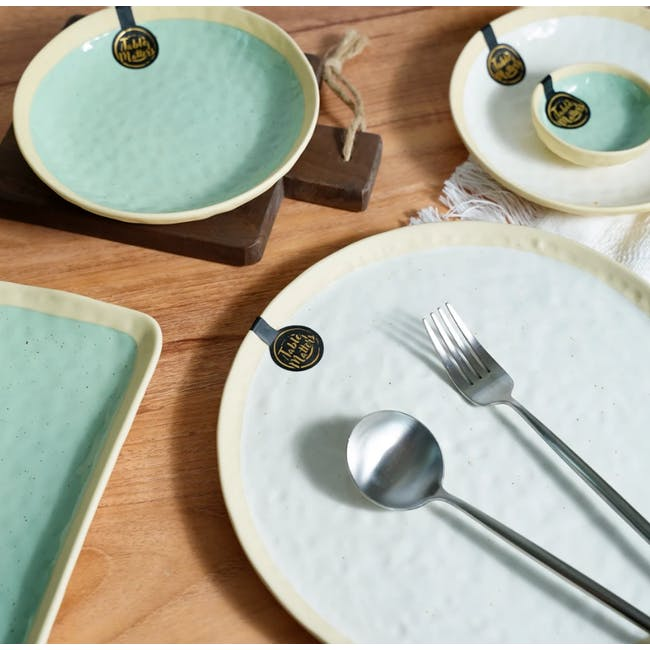 Table Matters Tsuchi White Coupe Plate - 2