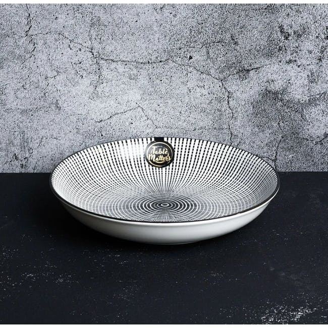 Table Matters Scattered Lines Coupe Plate - 1