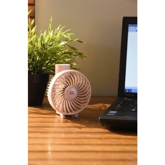 BRUNO USB Mini Fan - Lavender - 6