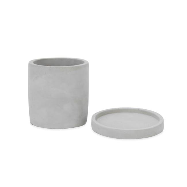 Round Concrete Pot with Saucer - Medium - 1