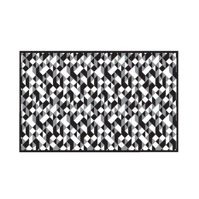 Diamond Medium Reversible Mat 2.4m x 1.5m - Black - 0