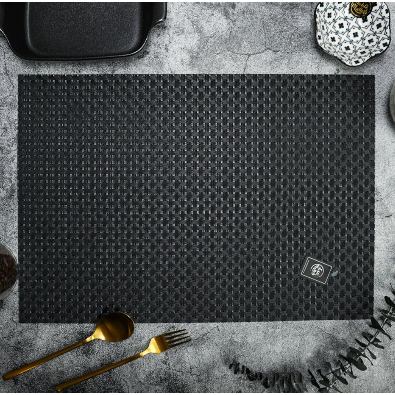 Black modern placemat from table matters