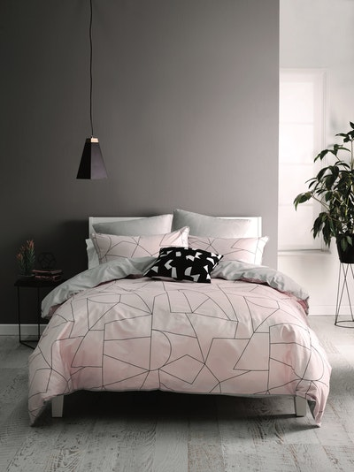 (Queen) Fraction Pink 4-Pc Bedding Set - Image 2